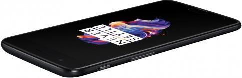 OnePlus 5 with 6/8 GB RAM, 64/128 GB ROM 5