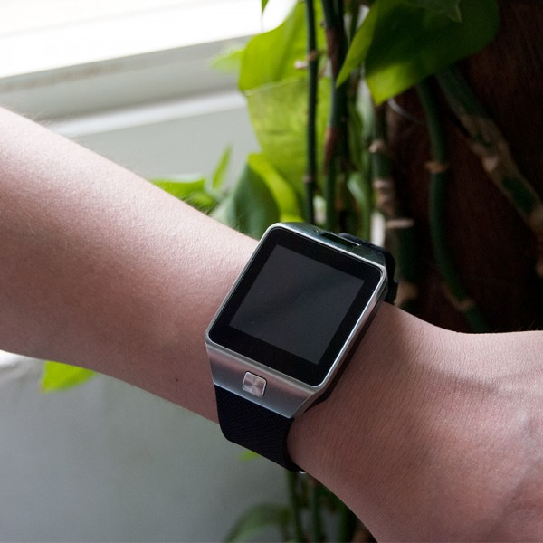 Stylish Innovative Multifunctional Convenient Smart Watch with Camera 2