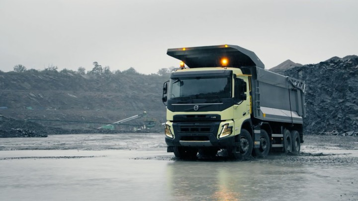 Volvo Trucks – The new Volvo FMX – Push the limits of productivity